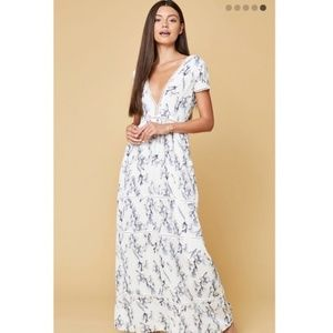 Lucca Coulture Beautiful Chiffon Vneck Lined Maxi